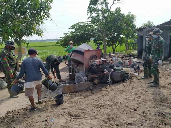Kejar Target Sasaran Fisik RTLH Mengerahkan Mesin Molen untuk Percepat Pemlesteran Lantai